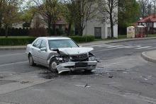 Mercedes zderzył się z volkswagenem w Lewinie Brzeskim