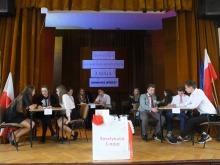 """Uczniowie """"Staszica"""" uczcili uchwalenie konstytucji konkursem"""
