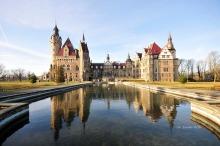 Zamek w Mosznej z nowymi wnętrzami i rekordem odwiedzających