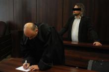 Były policjant skazany za pobicie żony, uniewinniony od rasizmu