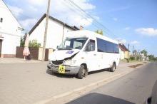 Mikrobus z dziećmi miał wypadek w Popielowie