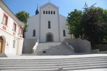 """Schody przy kościele """"na górce"""" gotowe"""