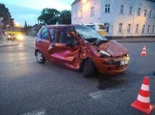 O krok od tragedii. Tir wjechał na skrzyżowanie na czerwonym świetle.
