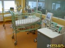 Kilkudniowa dziewczynka trafiła do szpitala z obrażeniami krocza