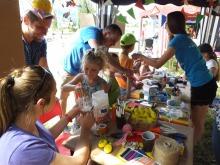 Mali opolanie poprzez zabawę uczą się segregacji śmieci