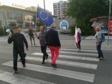 """Blokowali drogę, by zwrócić uwagę na """"postępującą dyktaturę PiS"""""""