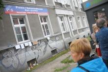Znicze przy biurze poselskim opolskich posłów w Opolu