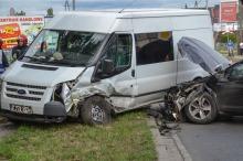 Zderzenie dwóch aut w Niemodlinie. Jedna osoba ranna