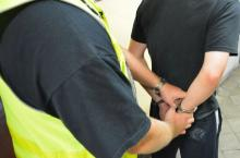 Pobili i okradli mężczyznę pod sklepem, grozi im 12 lat więzienia