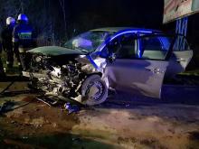 Bierkowice: Kierujący Fordem zjechał na przeciwległy pas ruchu i zderzył się czołowo z Toyotą.