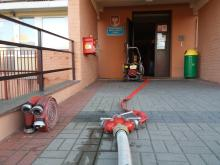 Zwarcie instalacji i pożar na Piotrkowskiej. Ewakuowano 10 osób.