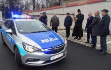 Nowy radiowóz dla policjantów z Brzegu