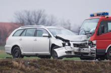 79-latek doprowadził do wypadku na obwodnicy Grodkowa. Został ranny