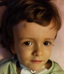 Lekarze z USA wycenili życie Karola na 1mln dolarów. Kręgosłup powoli zabija 3-latka