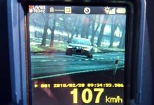 Prawie 110 km/h, a za kierownicą 62-latek
