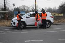 Policja ze Strażą Ochrony Kolei wzmacniają świadomość kierowców na przejazdach kolejowych
