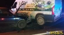 Wrzoski: Bus zderzył się z osobówką, ranna pasażerka