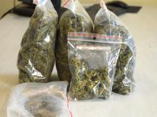 8 osób zatrzymanych zabezpieczona broń palna oraz narkotyki