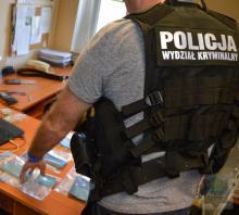 Zatrzymana za nielegalny handel lekami w internecie