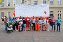 Wielka flaga Polski powstała na rynku