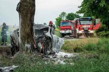 Wypadek pod Kluczborkiem. Zwęglone zwłoki utrudniają ustalenie płci kierowcy