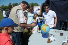 Na błoniach Politechniki Opolskiej trwa XVI Opolski Festiwal Nauki