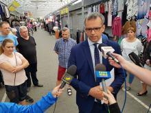Krzysztof Drynda w trosce o los kupców z Targowiska Centrum żąda przedłużenia umów