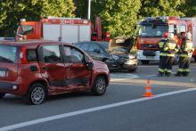 Zderzenie pojazdów na skrzyżowaniu Wiejskiej i Oleskiej