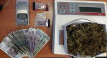 Kryminalni zabezpieczyli ponad 100 gramów marihuany, kilka porcji amfetaminy i sprzęt do porcjowania