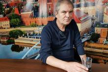 Sławomir Kuligowski - z pisania aforyzmów nie da się wyżyć, ale są inne korzyści