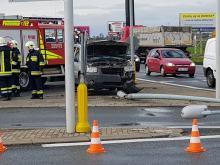 Kierowca terenówki staranował latarnię i uciekł z miejsca zdarzenia