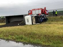 Zderzenie ciężarówki z audi na Powstańców Warszawskich. Jedna osoba nie żyje