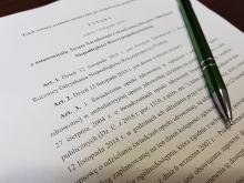 Prezydent podpisał ustawę. 12-go nie pójdziemy ani do pracy, ani na zakupy