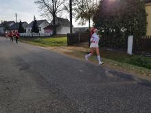 Na ulice Opolszczyzny wybiegają Mikołaje. Dlaczego lubimy bawić się sportem?