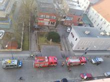Strażacy gasili kontenery na śmieci
