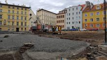 Na Placu Sebastiana trwają prace. Efekty zobaczymy jesienią
