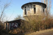 Wieże ciśnień, kiedyś niezbędne, a dziś często w ruinie. Jak wyglądają w środku?