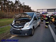Zderzenie ciężarówki z busem na A4 w kierunku Katowic. 3 osoby ranne