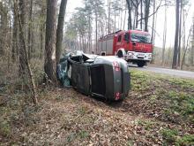 Kierowca Citroena zjechał z drogi i zderzył się z Volkswagenem