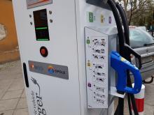 Pierwsza w Opolu ładowarka do samochodów elektrycznych stanęła przy Placu Wolności