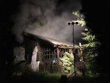 Nocny pożar w Michałowicach. Spłonął domek letniskowy