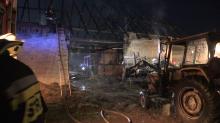 W Turawie od uderzenia pioruna zapalił się budynek
