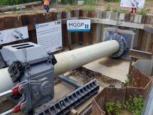 Trwają prace budowlane pod rzeką Odrą, związane z instalacją gazociągu Zdzieszowice-Wrocław