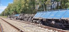 10 wagonów z miałem wykoleiło się na trasie Tarnów Opolski - Opole. Są utrudnienia