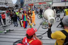 Kolorowa masa krytyczna przejechała ulicami Opola
