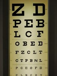 Jak korygować starczowzroczność czy astygmatyzm bez użycia okularów?