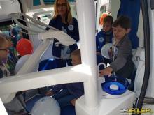 Mobilny gabinet stomatologiczny służy opolskiej młodzieży. Z pomocy skorzystało już ponad 3000 osób