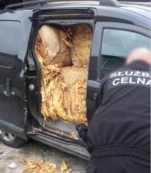 Obywatel Śląska przewoził nielegalnie prawie pół tony suszu tytoniowego