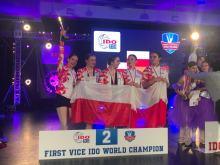 Tancerki z Ramady z tytułami Mistrzów oraz Wicemistrzów Świata