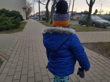 """""""Jest zimno! Załóż czapkę"""" - czy faktycznie jej potrzebujemy?"""